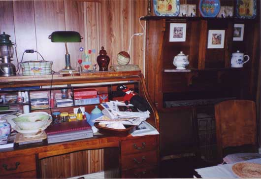 Homer Rieth desk photo