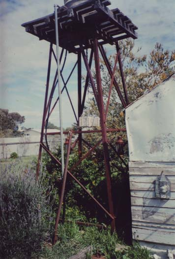 Water tank Homer Rieth Minyip residence photo